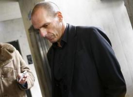 Greek Finance Minister Varoufakis answers journlist's questions at restaurant in Frankfurt